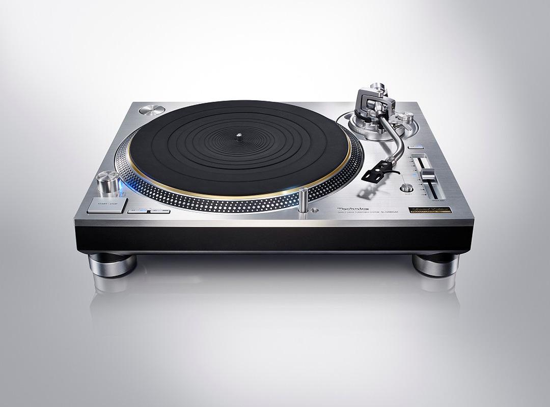 Technics Direktantrieb Plattenspieler SL-1200GAE