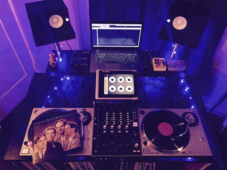 Sehr Anleitung wie du einen DJ-Tisch aus IKEA Teilen selber bauen UX43